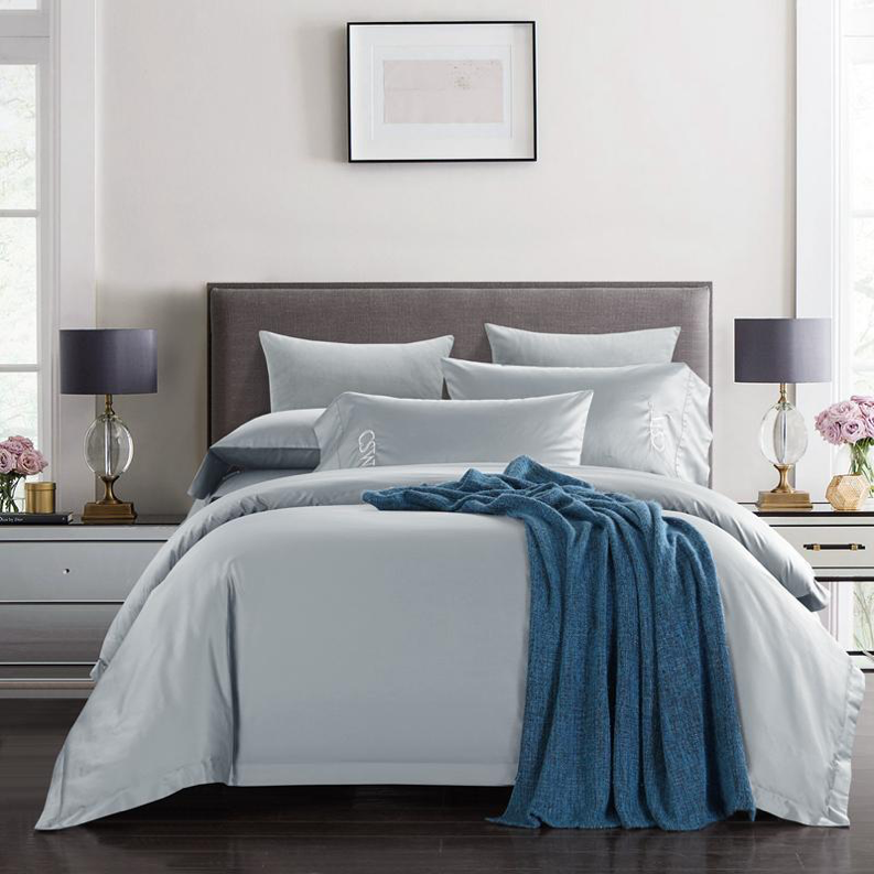 Here come four common materials used in bedding accessories
